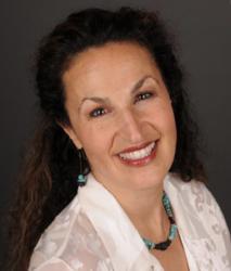 Dr Lisa Hale